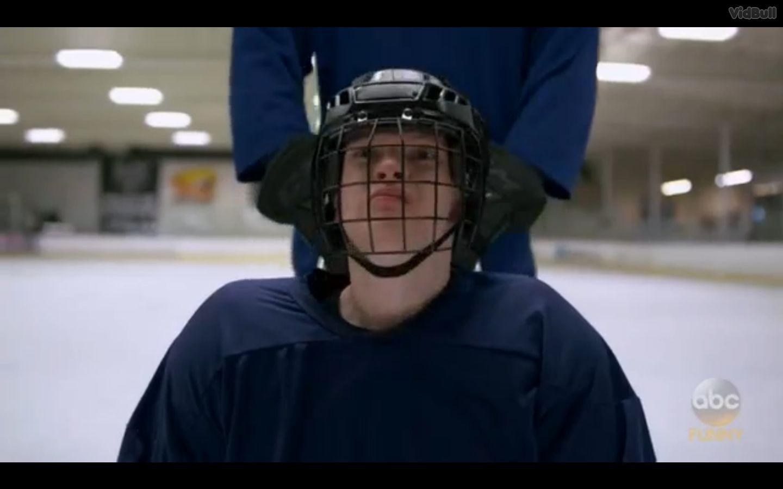 Speechless — s01e09 — S-l-- Sled H-o-- Hockey