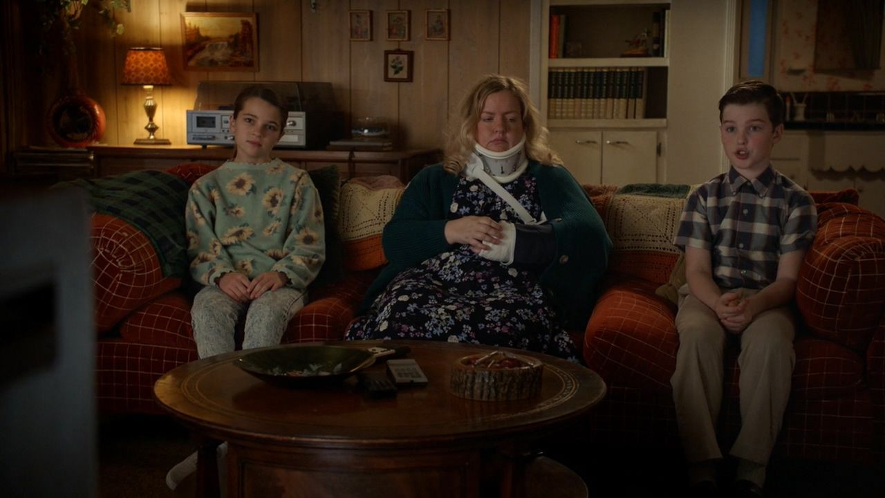 Young Sheldon — s03e18 — A Couple Bruised Ribs and a Cereal Box Ghost Detector