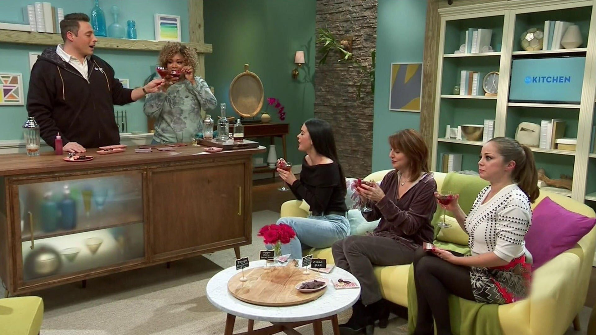 The Kitchen — s08e11 — Chock Full of Chocolate