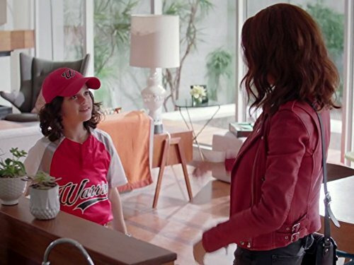 Girlfriends' Guide to Divorce — s03e06 — Rule #218: There's No Crying in Baseball