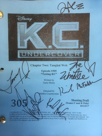 K.C. Undercover — s03e04 — Web of Lies
