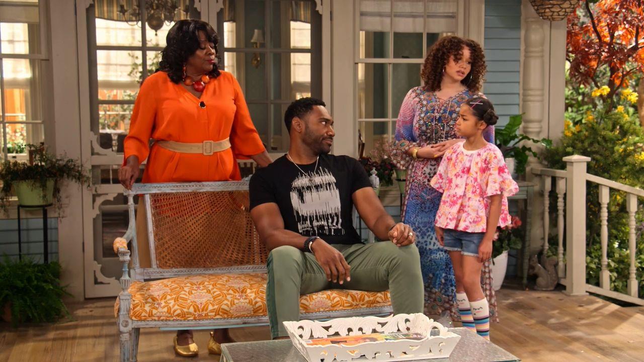 Комедийный кроссовер — s01e04 — Family Reunion: Remember the Family's Feud?