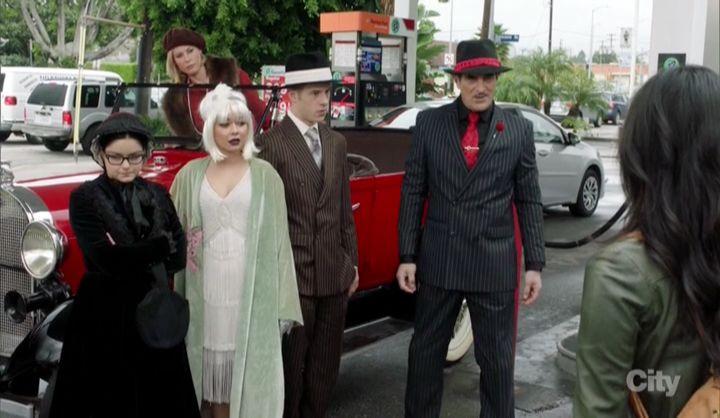Американская семейка — s08e19 — Frank's Wedding