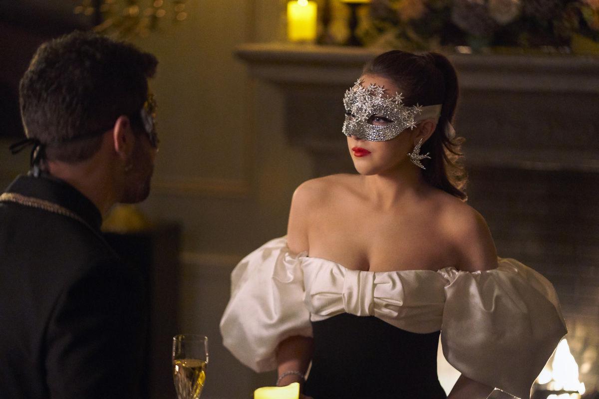 Dynasty — s02e18 — Life Is a Masquerade Party