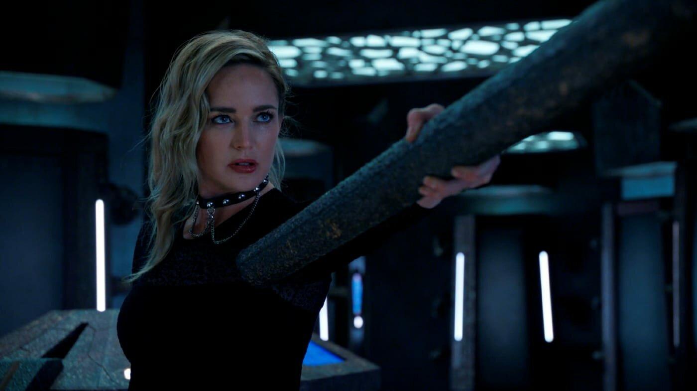 DC's Legends of Tomorrow — s06e01 — Ground Control to Sara Lance