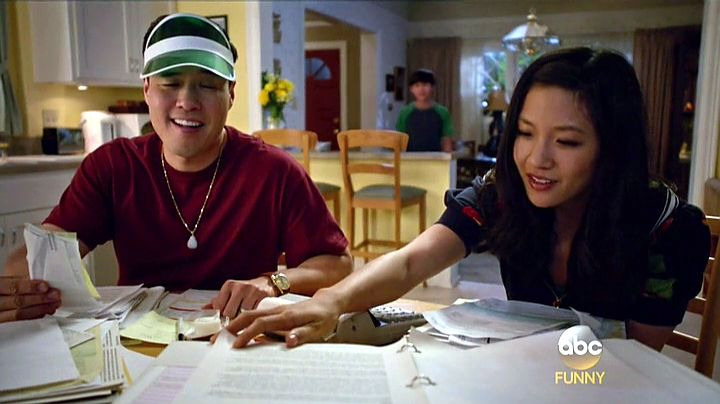 Fresh Off the Boat — s02e12 — Love and Loopholes