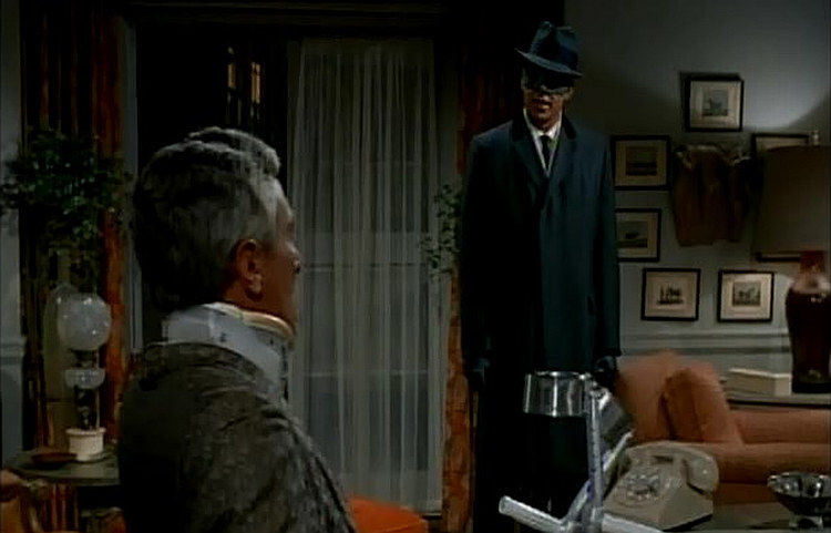 The Green Hornet — s01e02 — Give 'Em Enough Rope