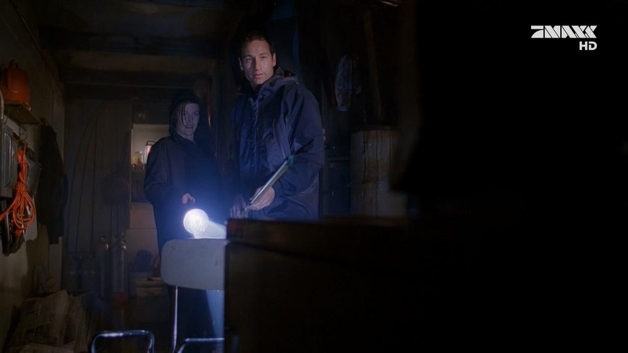 The X-Files — s06e13 — Agua Mala