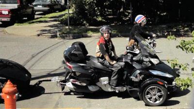 Portlandia — s02e07 — Motorcycle