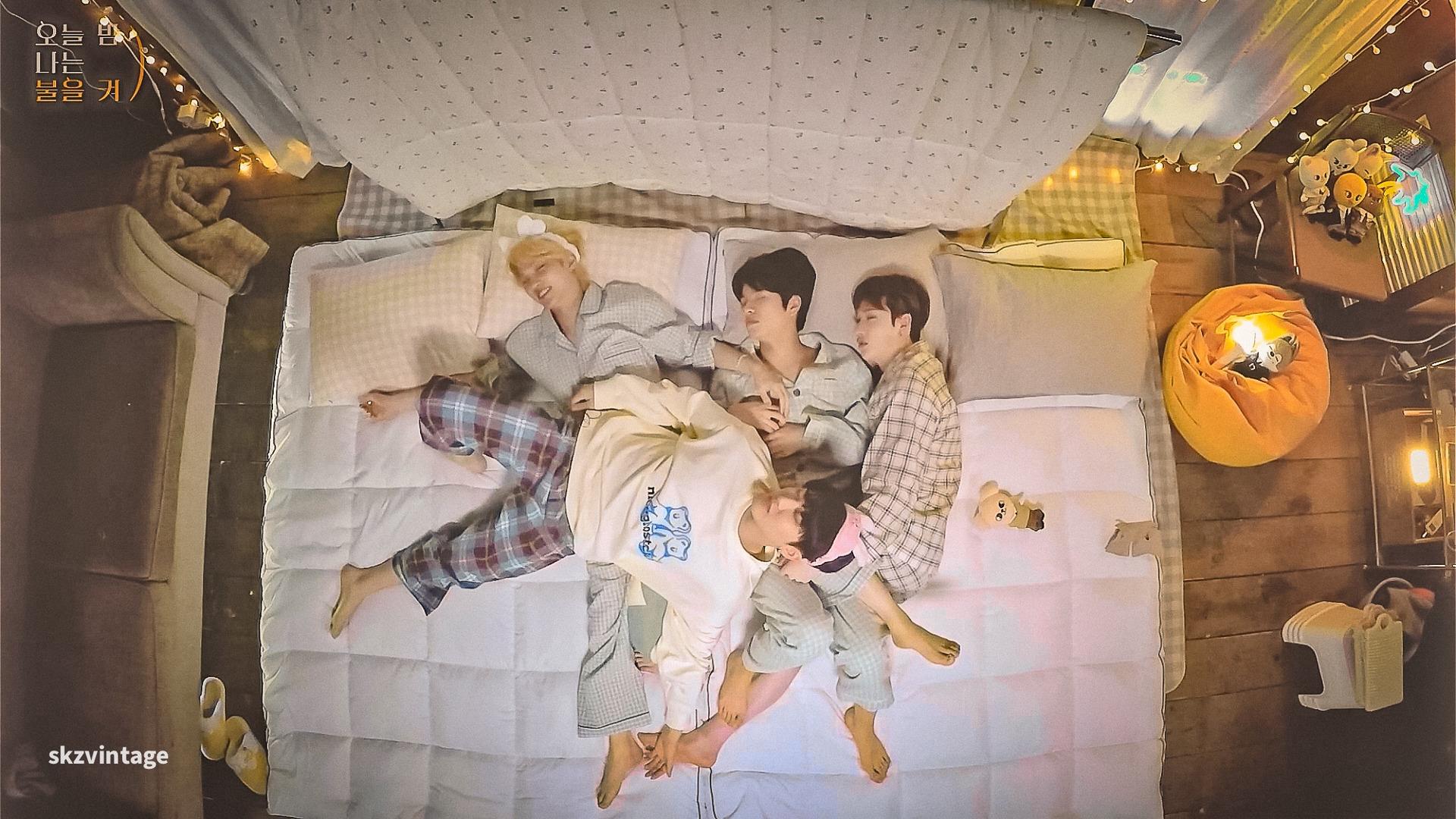 Stray Kids — s2021e99 — [All-Night] Ep.3 이불 없이 서로의 체온만이 전부였던 시간