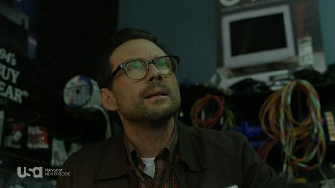 Мистер Робот — s01e09 — eps1.8_m1rr0r1ng.qt