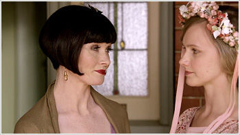 Miss Fisher's Murder Mysteries — s01e09 — Queen of the Flowers