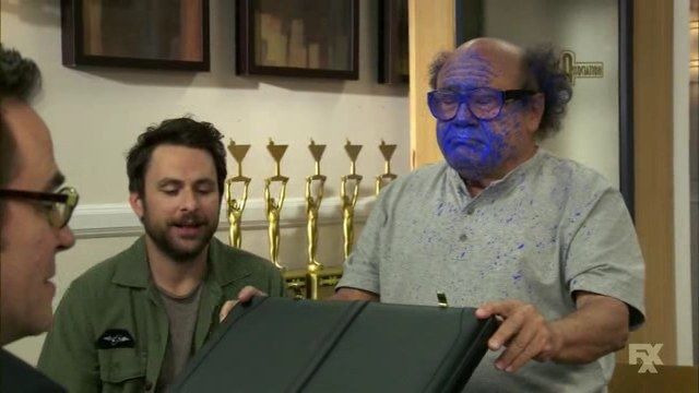 It's Always Sunny in Philadelphia — s09e03 — The Gang Tries Desperately to Win an Award