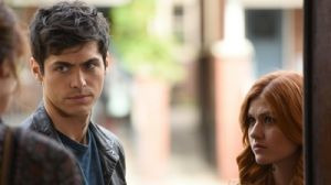 Shadowhunters: The Mortal Instruments — s02e05 — Dust and Shadows