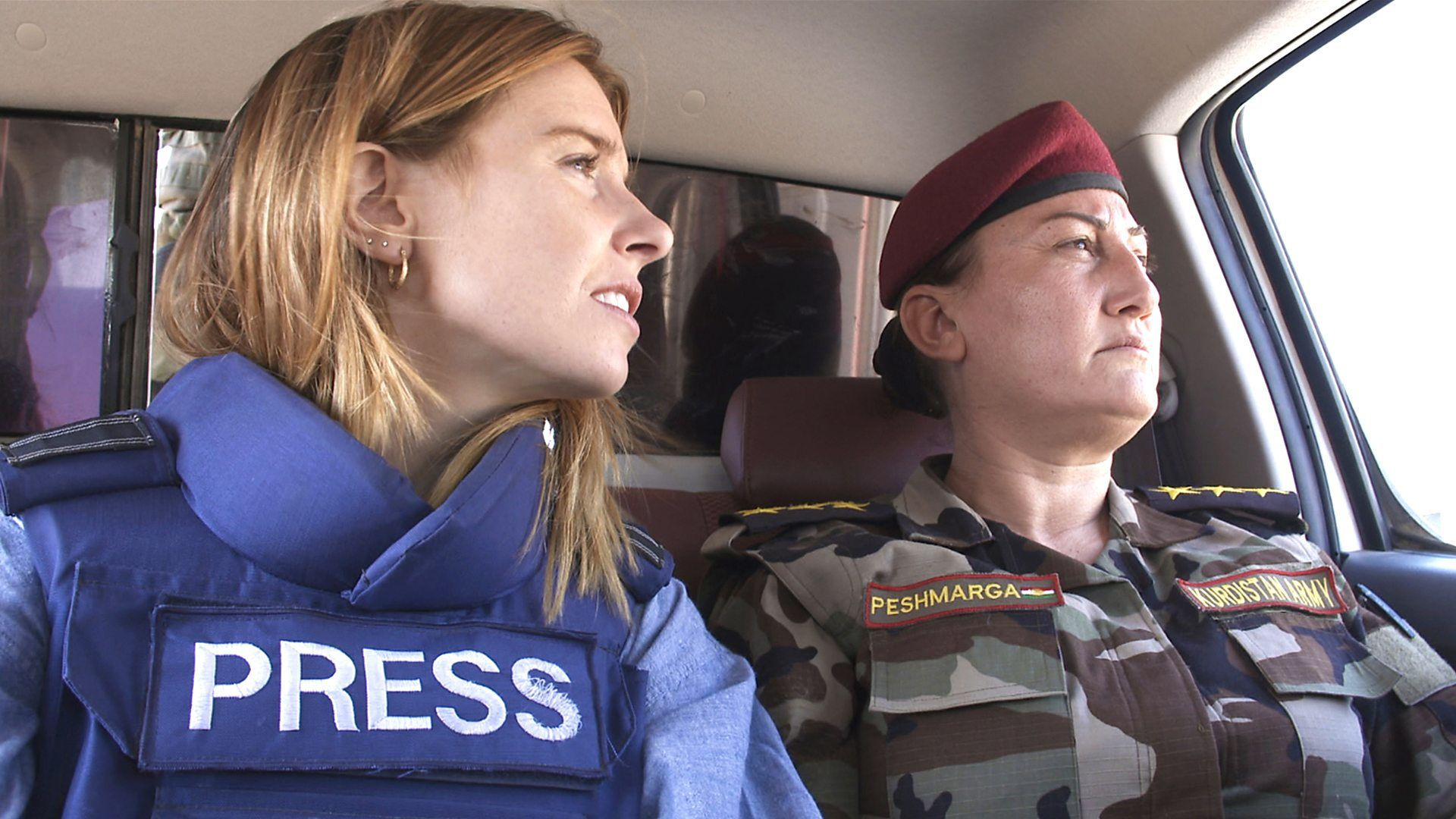 Stacey Dooley Investigates — s07 special-14 — Stacey on the Frontline: Girls, Guns and ISIS
