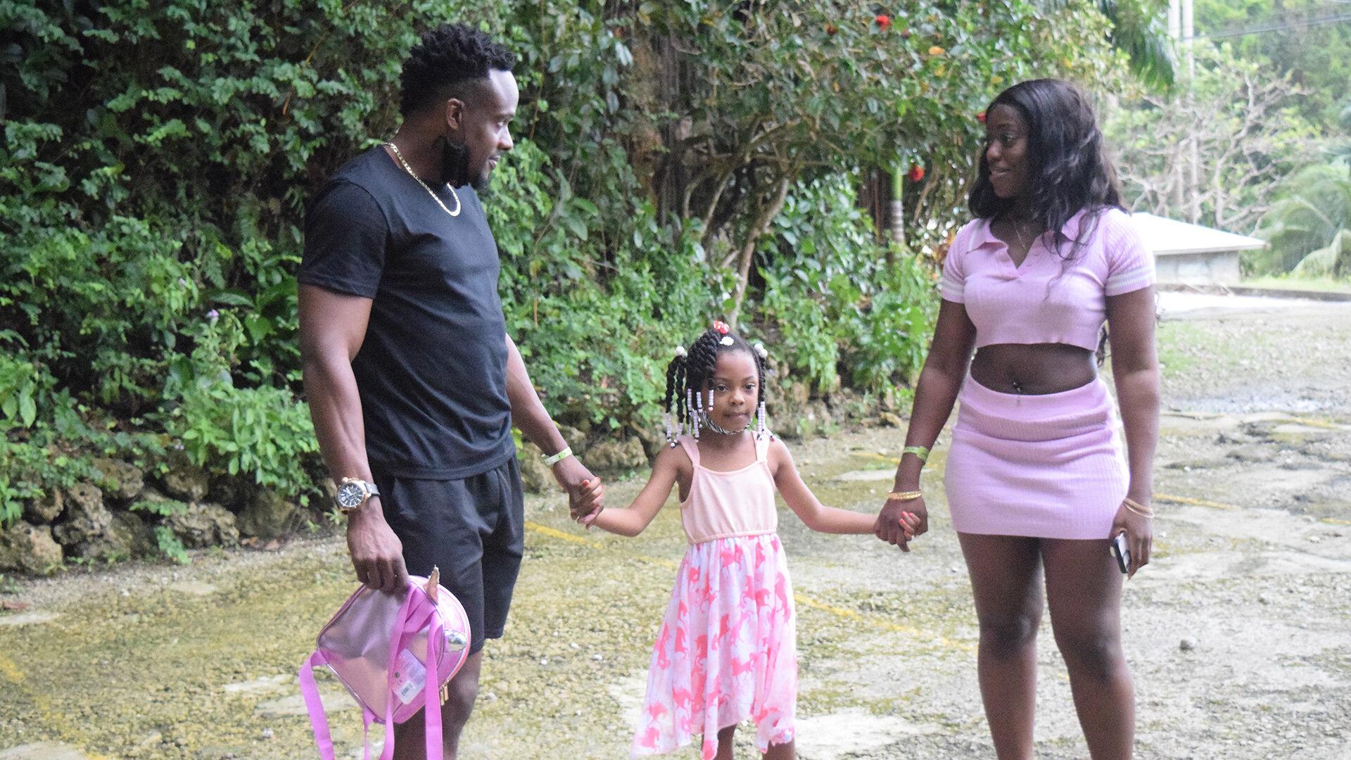 Love in Paradise: The Caribbean — s01e03 — Meet the Family