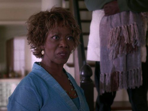 Desperate Housewives — s02e13 — There's Something About a War