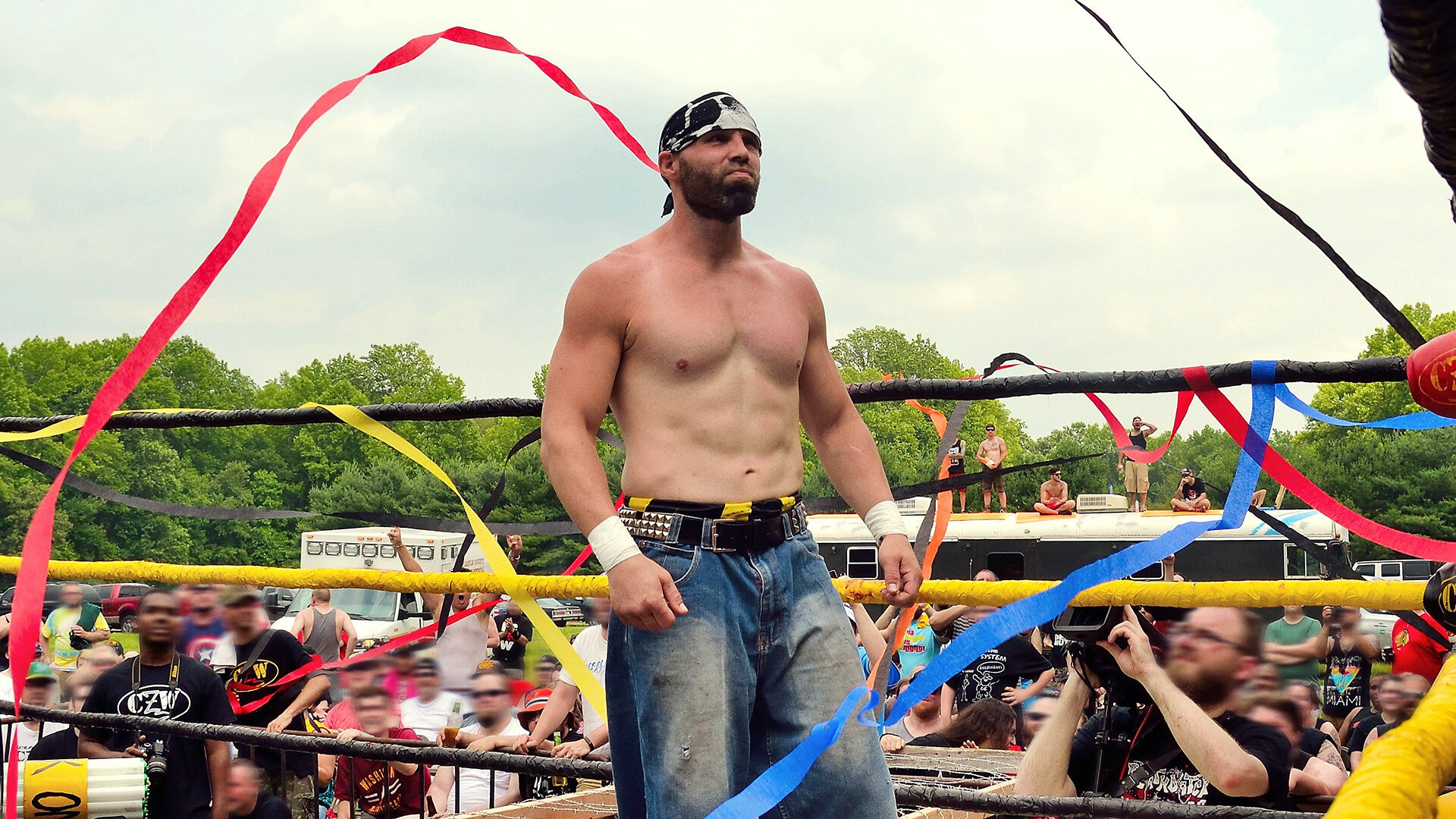 Темная сторона ринга — s03e03 — The Ultra-Violence of Nick Gage