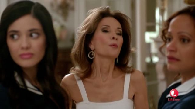 Devious Maids — s01e08 — Minding the Baby