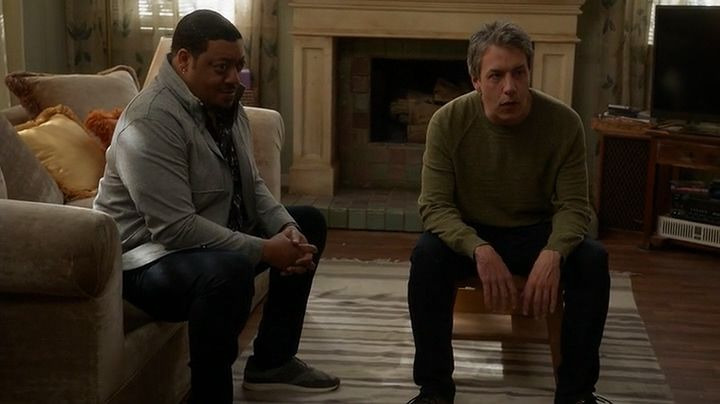 Speechless — s03e21 — The S-t-a-- Staircase