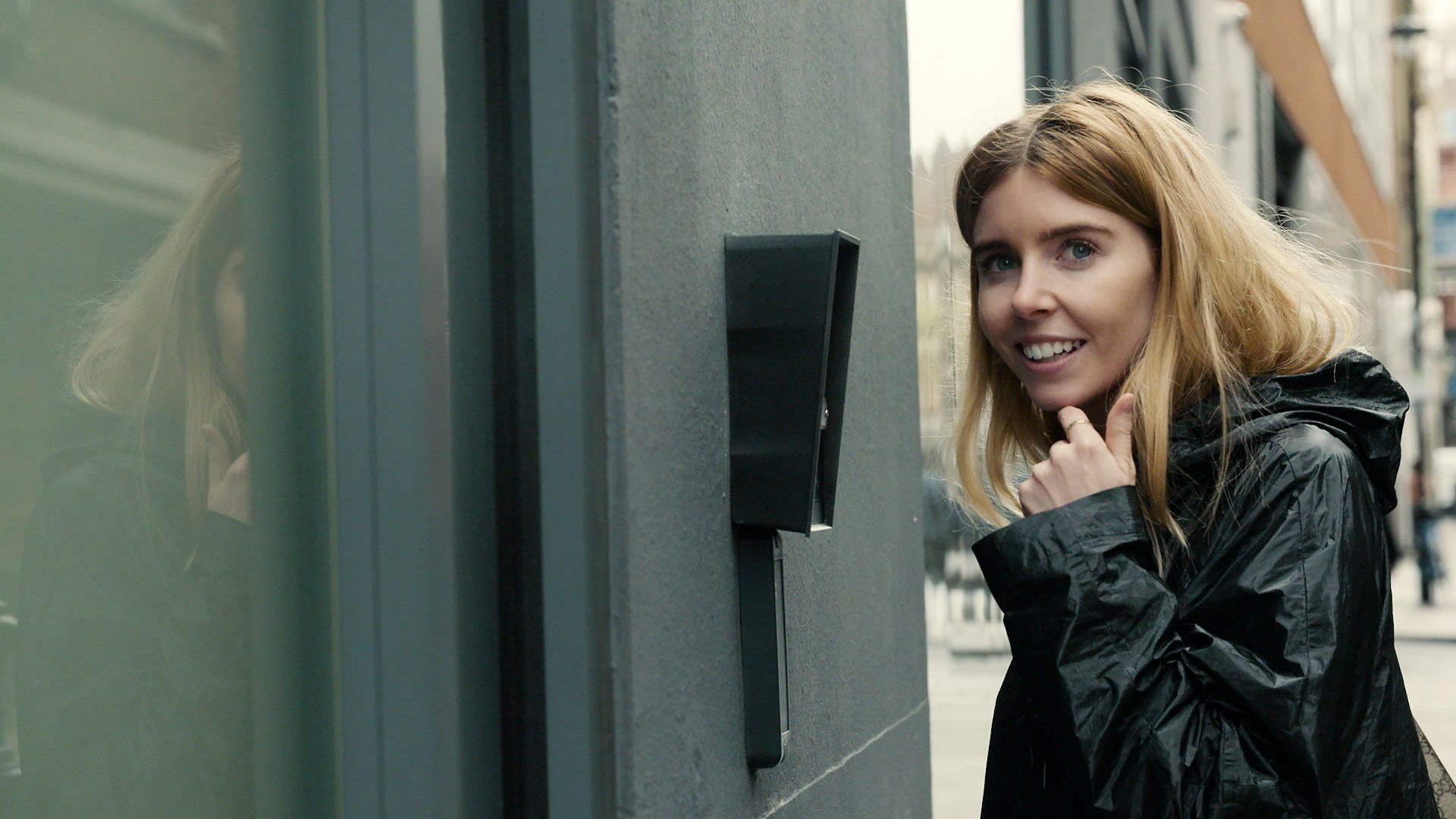 Stacey Dooley Investigates — s07 special-5 — Kids Selling Drugs Online