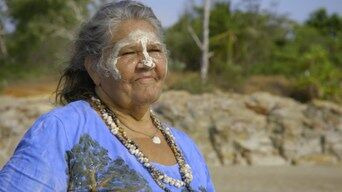 Going Places with Ernie Dingo — s04e04 — Darwin