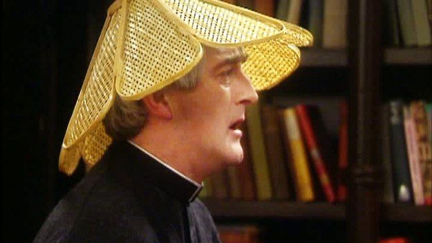 Отец Тед — s03e01 — Are You Right There, Father Ted?