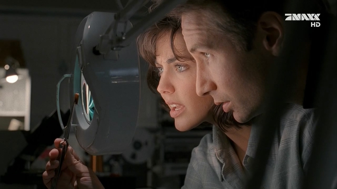 The X-Files — s03e12 — War of the Coprophages