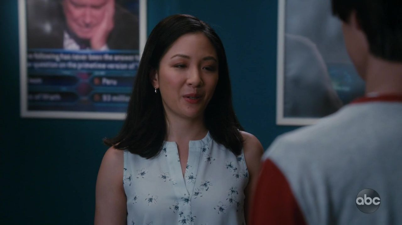 Fresh Off the Boat — s06e09 — Lou Wants to Be a Millionaire