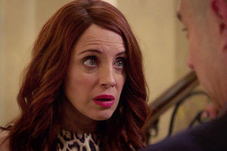 Girlfriends' Guide to Divorce — s05e05 — Rule #303: Burn That S... to the Ground