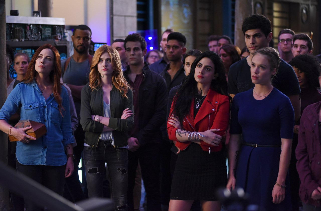 Shadowhunters: The Mortal Instruments — s02e01 — This Guilty Blood