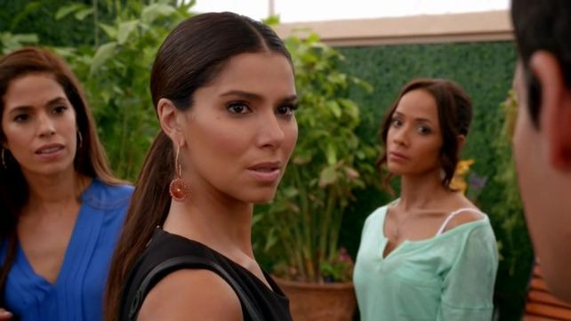 Devious Maids — s01e12 — Getting Out the Blood