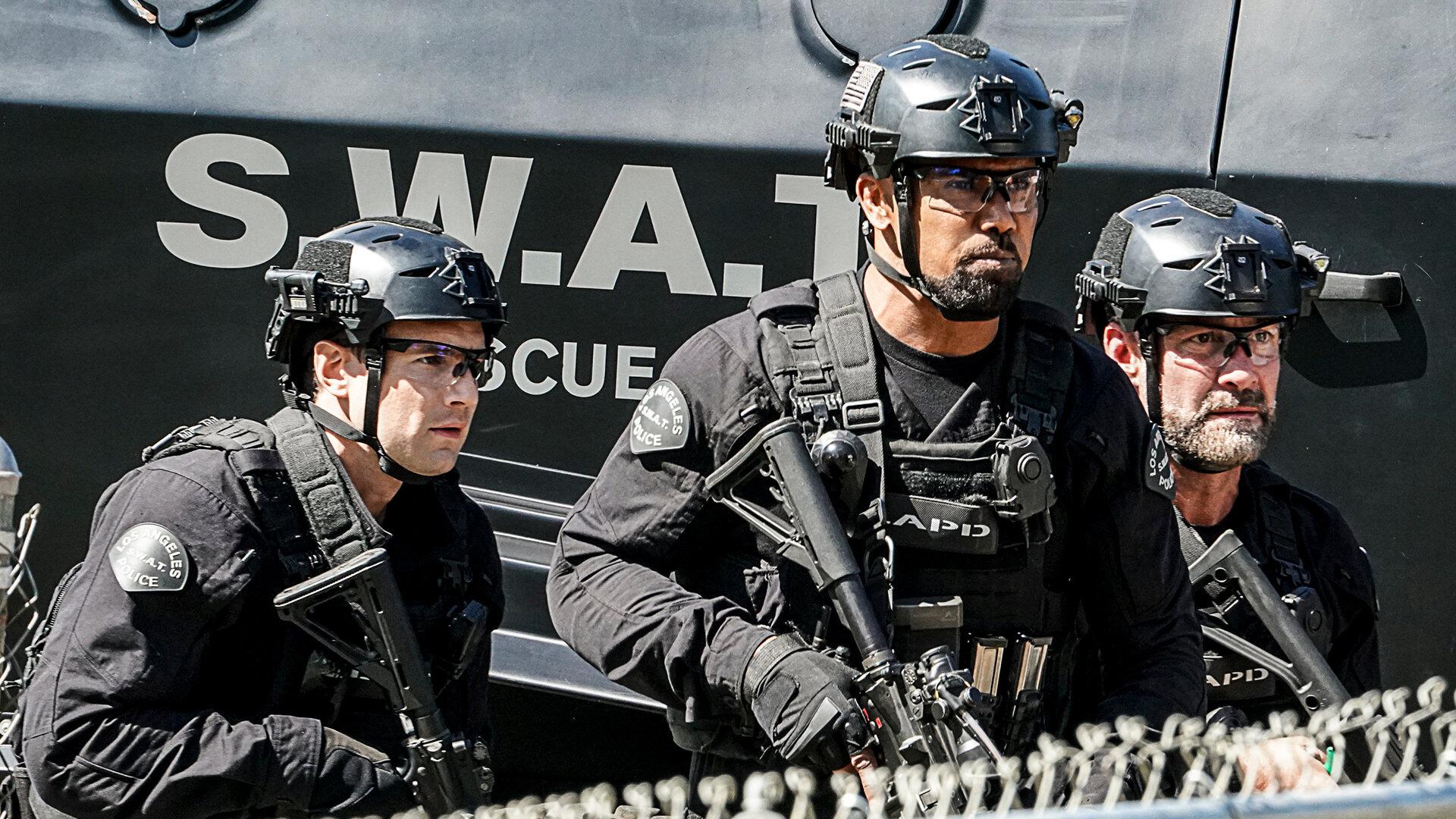 S. W. A. T.: Спецназ города ангелов  — s04e15 — Local Heroes