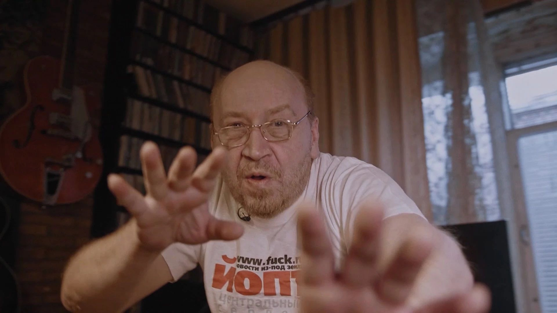 Холивар. История рунета — s01e02 — Контркультура: пАдонки, марихуана и Кремль