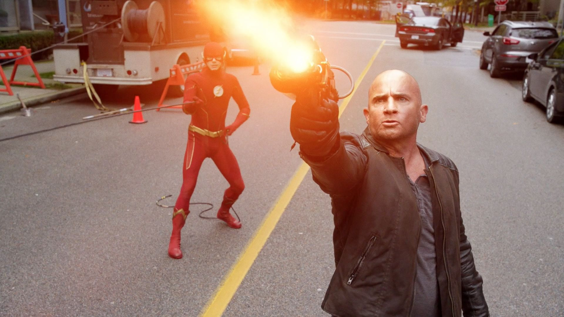 DC's Legends of Tomorrow — s05e01 — Crisis on Infinite Earths: Part Five