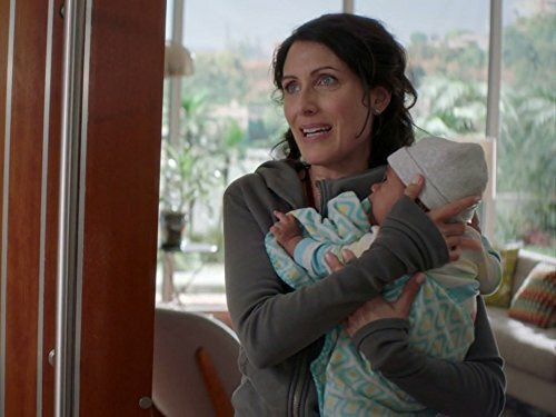 Girlfriends' Guide to Divorce — s03e01 — Rule #43: When One Door Opens, There's an Icy Draft