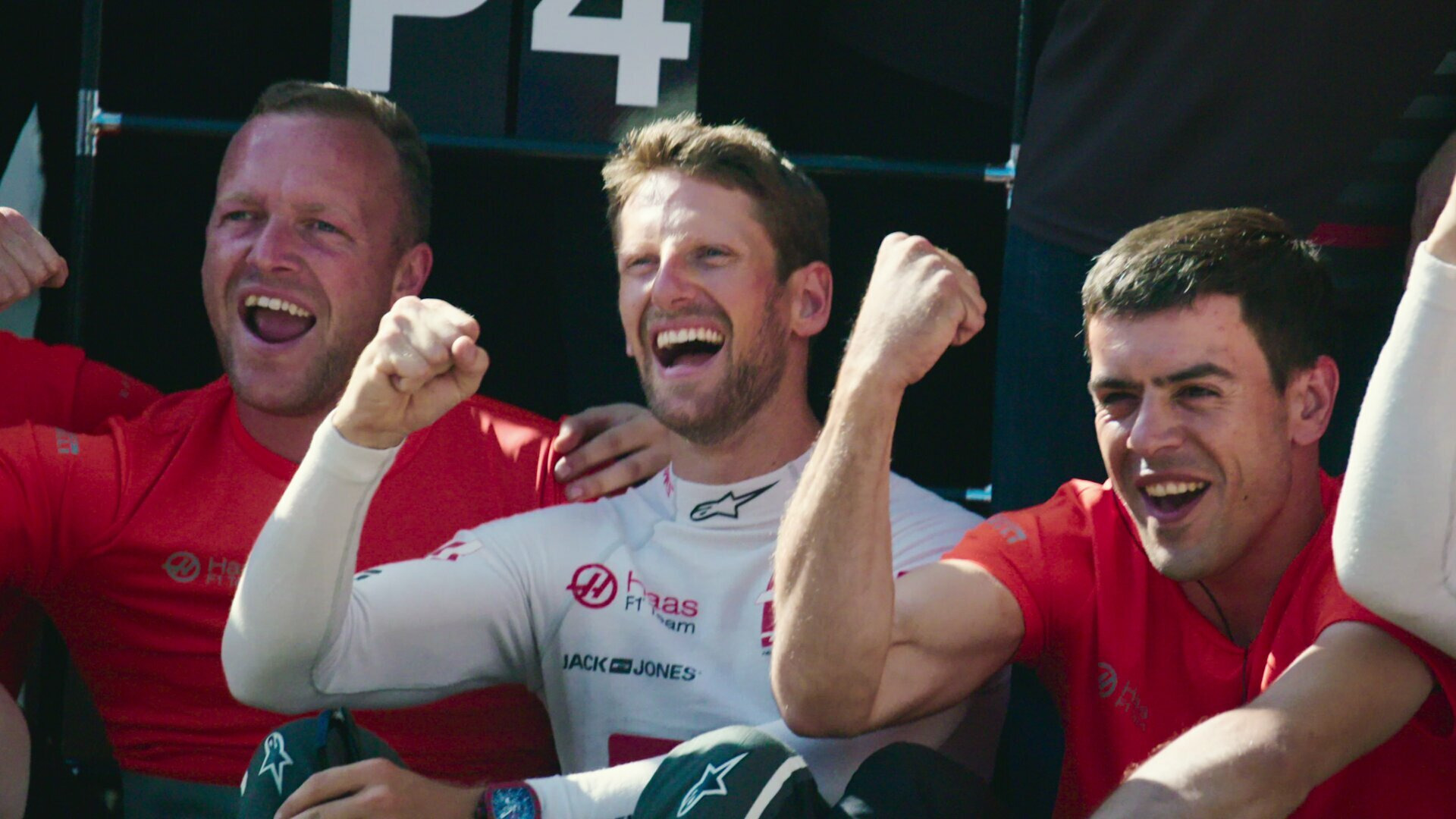 Formula 1: Drive to Survive — s03e09 — Man On Fire