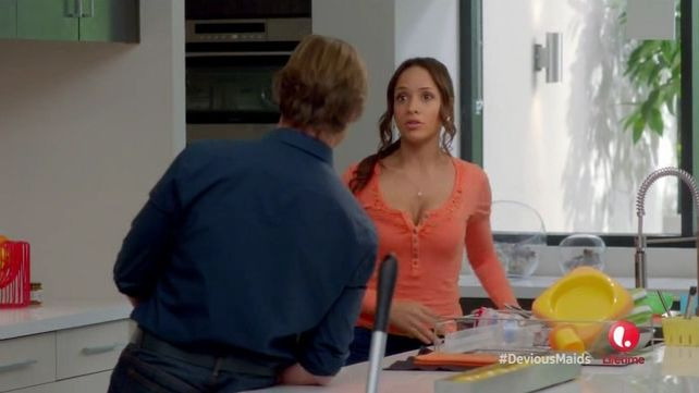 Devious Maids — s01e05 — Taking Out the Trash