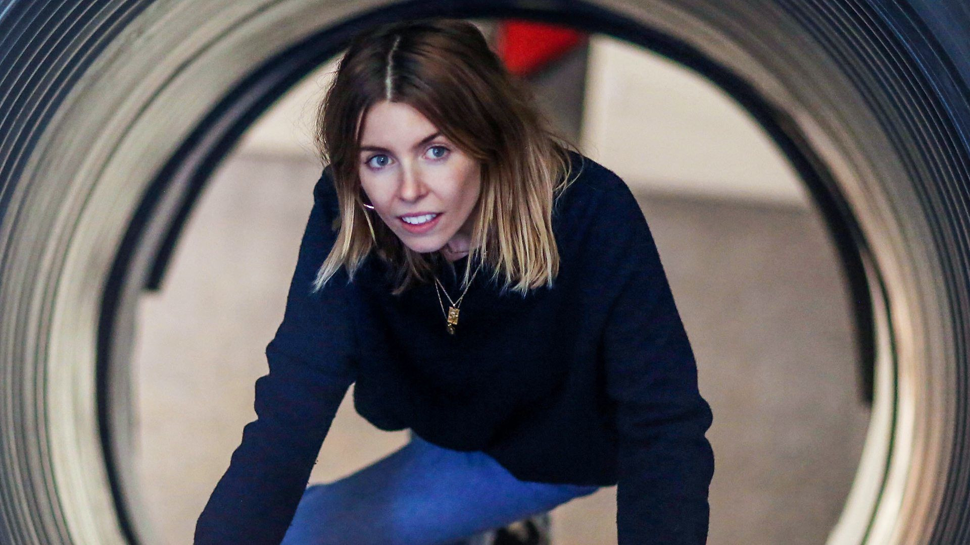 Stacey Dooley Investigates — s07 special-1 — Face to Face with Armageddon