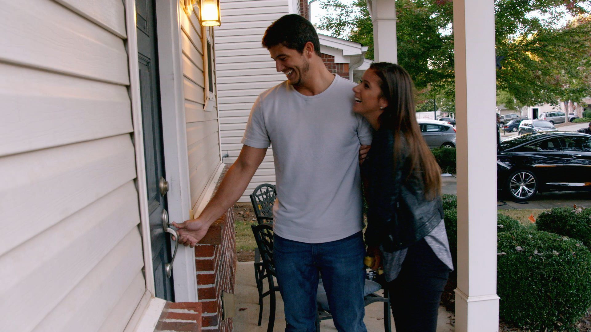 Love Is Blind — s01e06 — Moving in Together