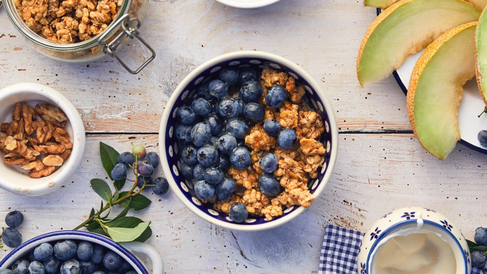 The Food That Built America: Snack Sized — s01e04 — Breaking Breakfast