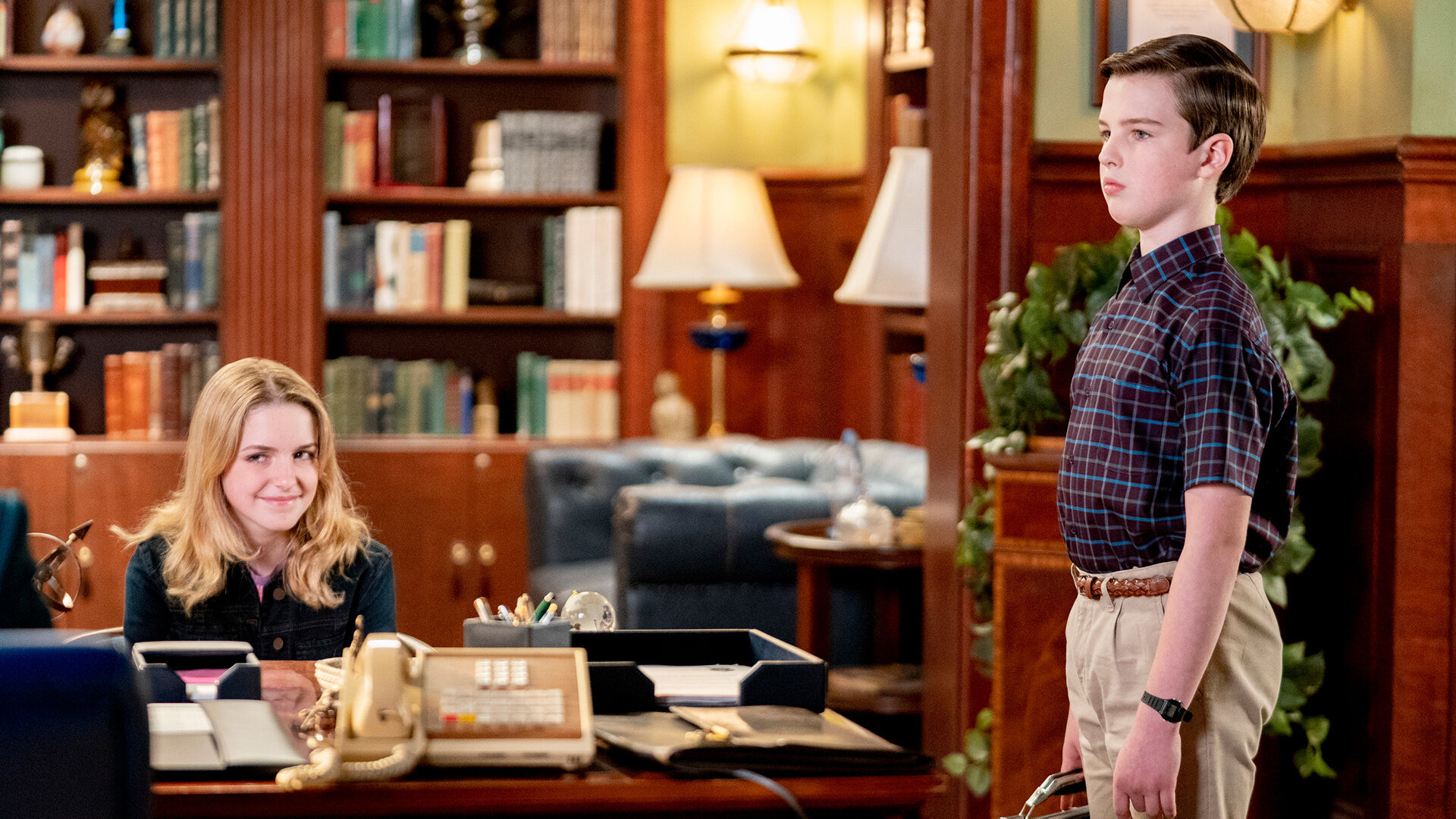 Young Sheldon — s04e16 — A Second Prodigy and the Hottest Tips for Pouty Lips