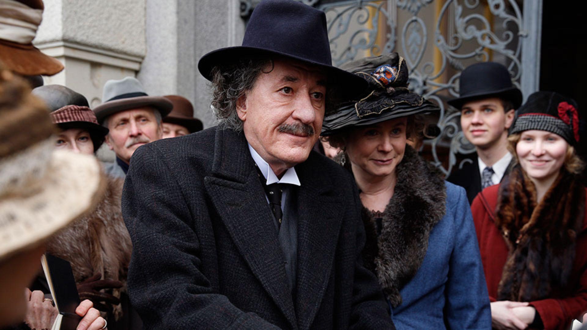 Genius — s01e08 — Einstein: Chapter Eight