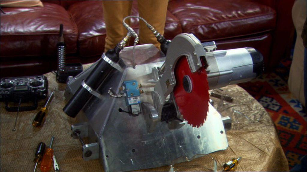 Теория большого взрыва — s02e12 — The Killer Robot Instability