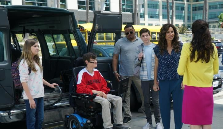 Speechless — s02e02 — F-i-- First S-e-- Second F-- First Day