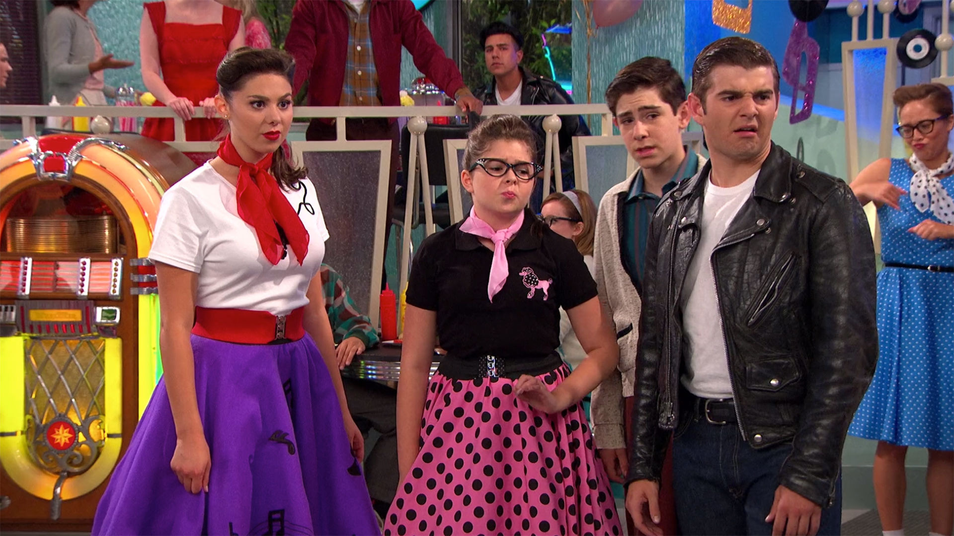 The Thundermans — s04e15 — Save the Past Dance