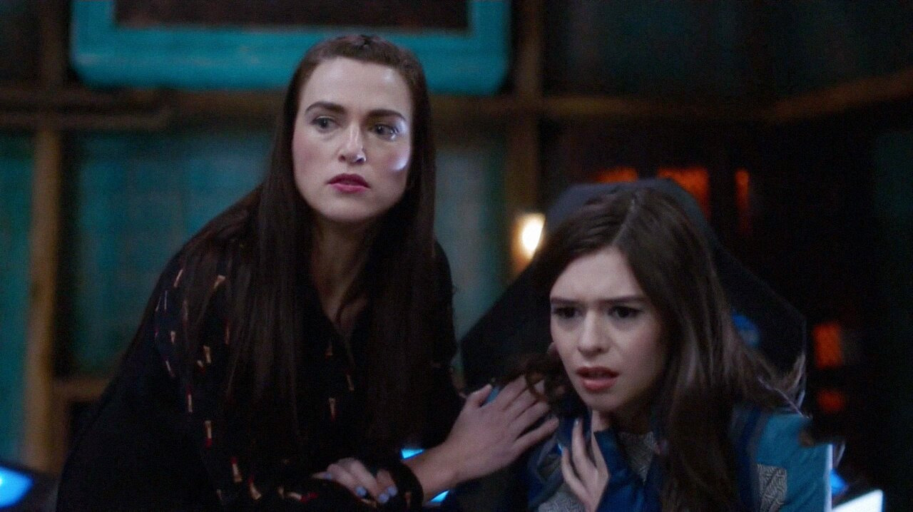 Supergirl — s06e07 — Fear Knot