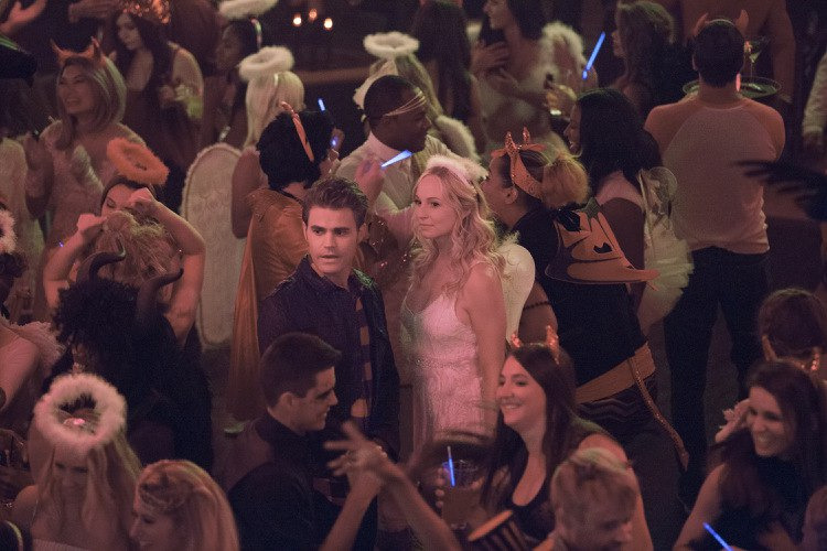 The Vampire Diaries — s07e04 — I Carry Your Heart with Me