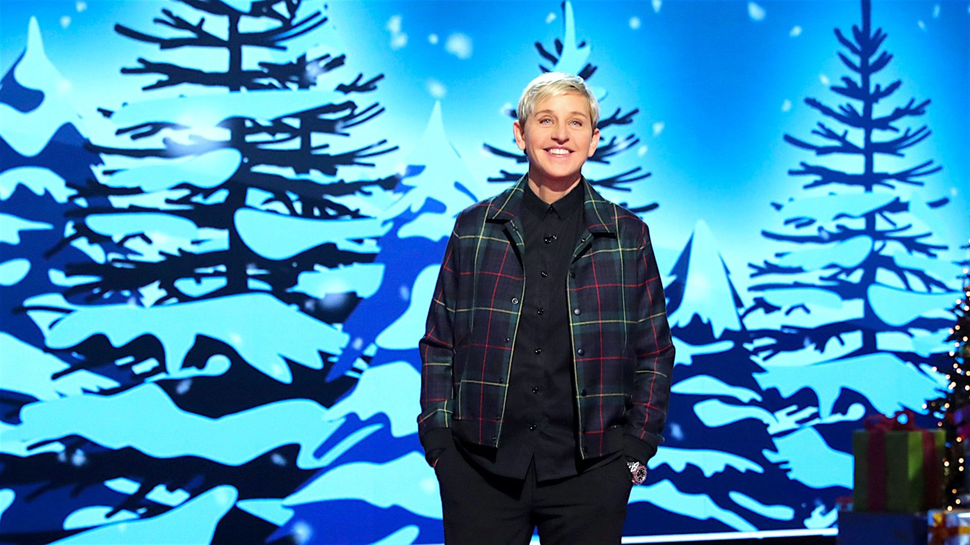 Ellen's Game of Games — s02e01 — Holiday Spectacular
