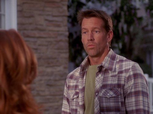 Desperate Housewives — s05e12 — Connect! Connect!